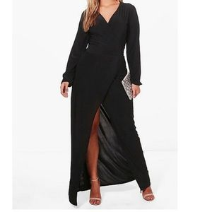 🔥MOVING SALE🔥 Boohoo slinky black gown